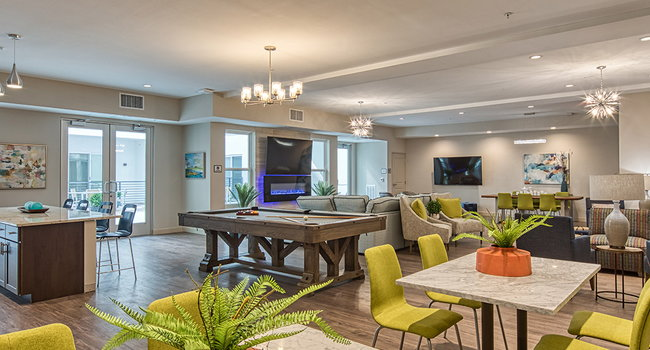 Luxurious Resident Club Room