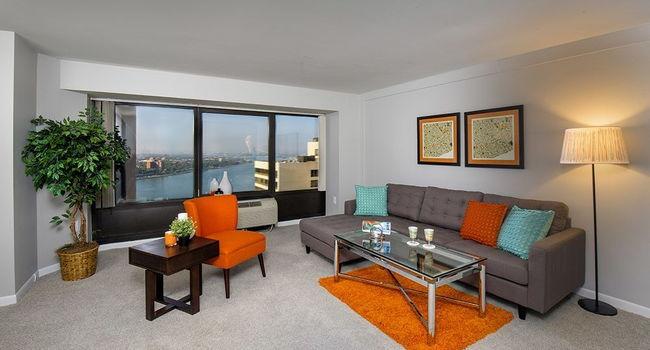 Riverfront Towers - 111 Reviews | Detroit, MI Apartments for