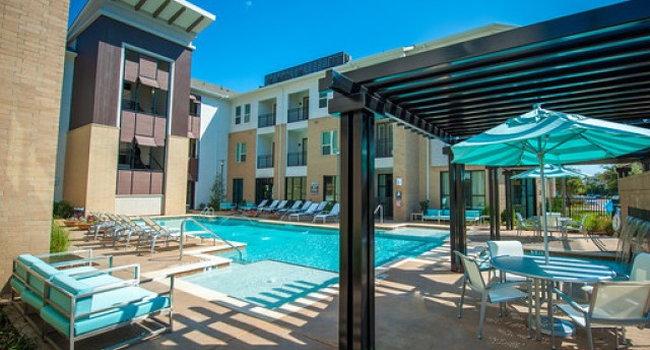 The Encore Apartments 38 Reviews Plano Tx Apartments