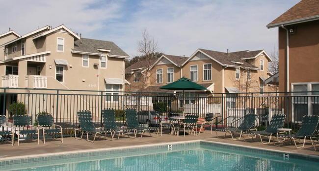 Village Heights Apartments 3 Reviews Newport Beach Ca