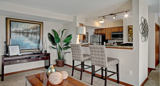 Viewpoint Apartment Homes 7 Reviews Seatac Wa Apartments For