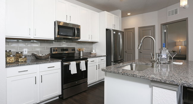 Large Kitchens with Modern Finishes