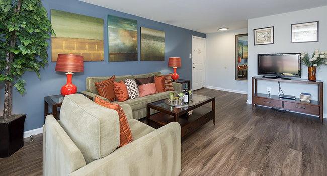 . Ravens Crest Apartments   193 Reviews   Manassas  VA Apartments for