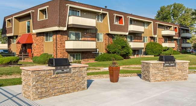 The Park At Whispering Pines 29 Reviews Colorado Springs Co Apartments For Rent