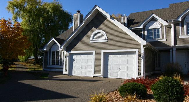 Seasons Villas 6 Reviews Woodbury, Garage Reviews