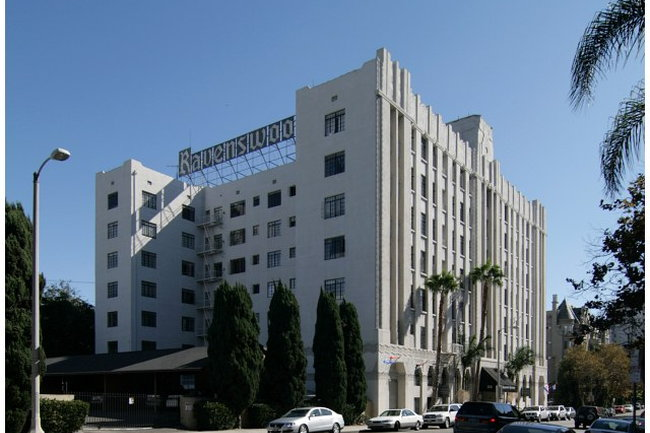 Resident Photo Of Ravenswood Apartments In Los Angeles Ca